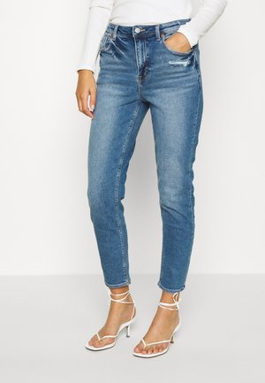 MOM JEAN - Slim fit jeans - medium bright indigo