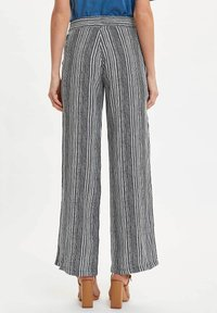 DeFacto - Trousers - white - 2