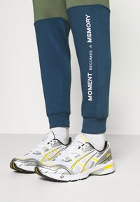 Redefined Rebel - DAWSON  - Pantaloni sportivi - dark denim - 5