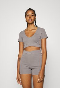 Nly by Nelly - WRAP WAIST MINI SET - Tracksuit bottoms - gray - 0