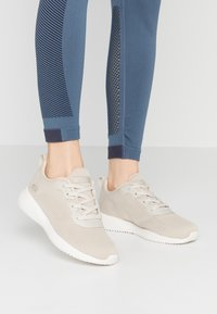 Skechers Sport - BOBS SQUAD - Zapatillas - natural - 0