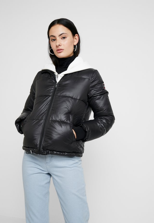 IZZIE PUFFER JACKET - Giacca invernale - black