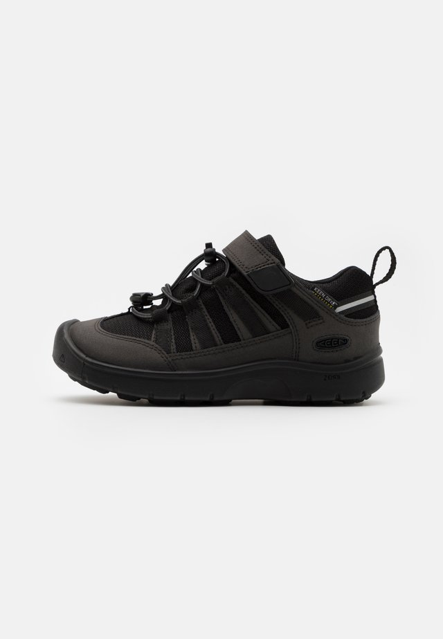 HIKEPORT 2 LOW WP UNISEX - Outdoorschoenen - black
