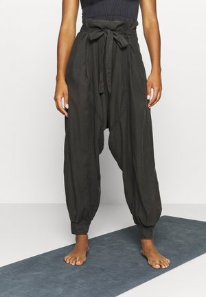 WADE AWAY HAREM - Pantalones - black