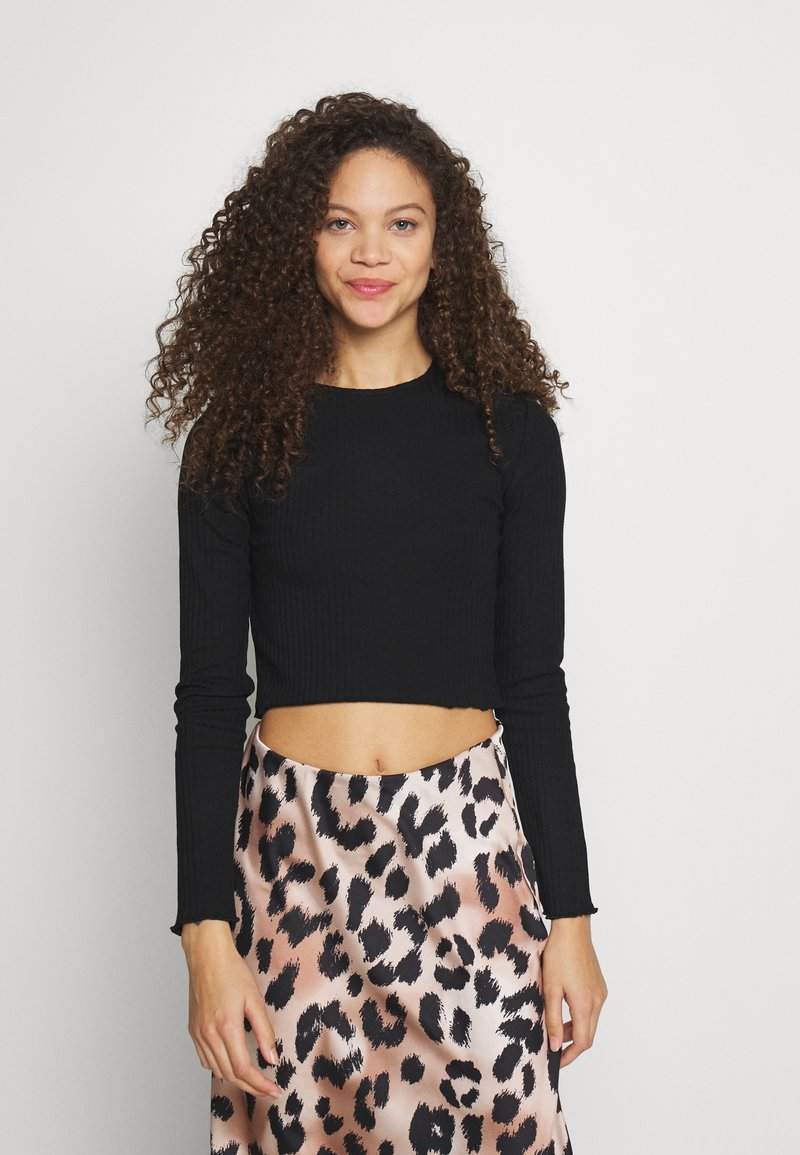 Even&Odd Petite - CROPPED LONG SLEEVE WITH LETTUCE - Long sleeved top - black
