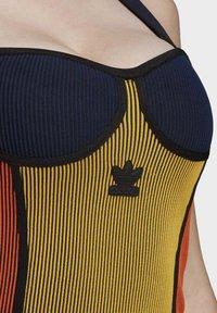 adidas Originals - PAOLINA RUSSO COLLAB SPORTS INSPIRED SLIM DRESS - Pouzdrové šaty - active gold/black/energy orange/collegiate navy - 5