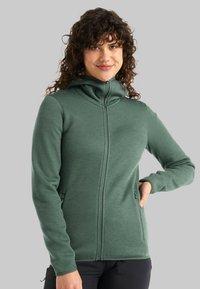 Icebreaker - Zip-up sweatshirt - sage - 2