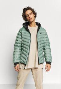 Hollister Co. - PUFFER SAGE - Down jacket - sage - 0