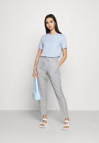 Vero Moda - Trousers - navy blazer/asta - 1