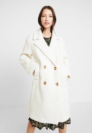 Zimní kabát - warm white