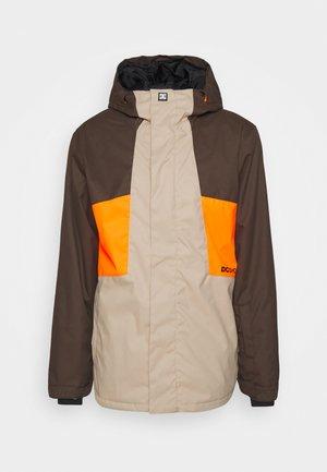 DEFY JACKET - Snowboard jacket - brown