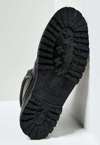 Pepe Jeans - WOODLAND - Botki sznurowane - factory black - 4