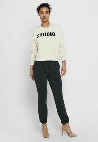 ONLY - Sweatshirt - ecru - 1