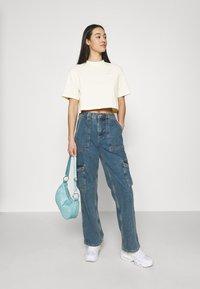 Nike Sportswear - Camiseta básica - coconut milk - 1