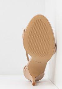 ALDO - CARAA - Korolliset sandaalit - bone - 6