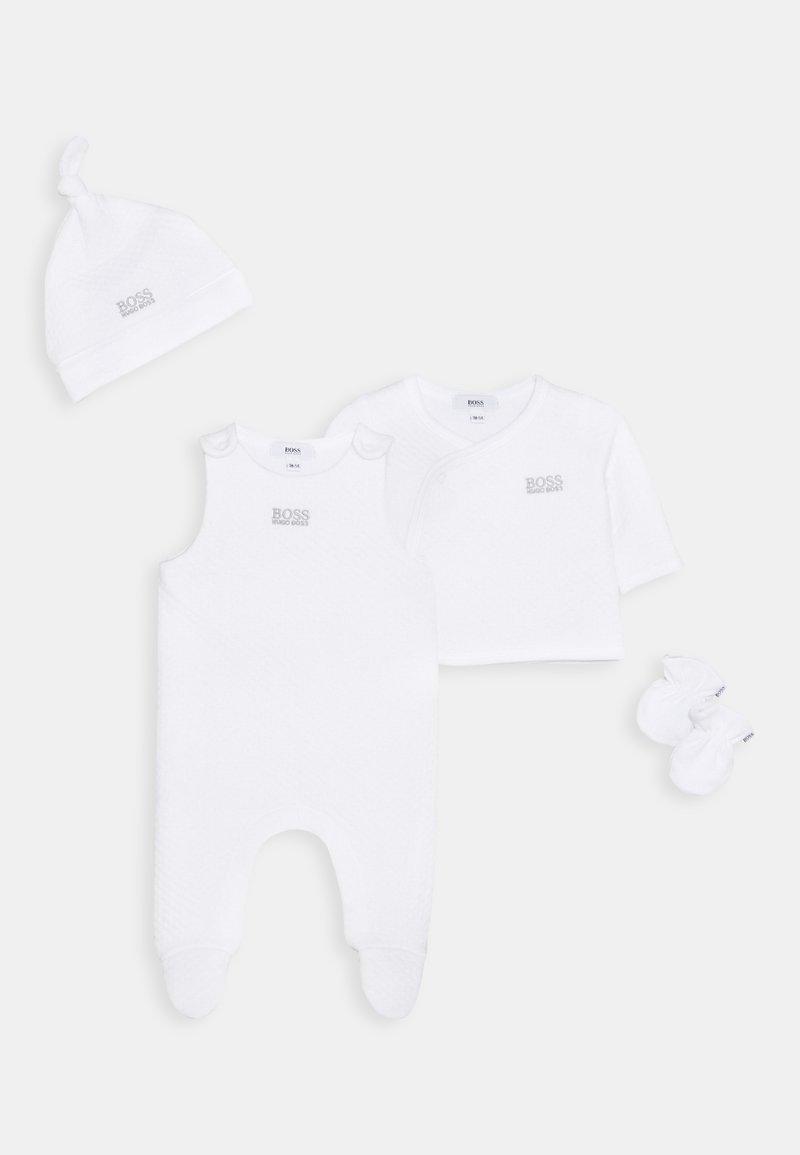 BOSS Kidswear - CARDIGAN HAT MITTENS BABY SET UNISEX - Bonnet - white