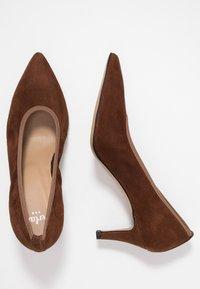 PERLATO - Classic heels - cognac - 3