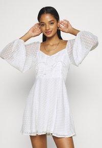Missguided - DOBBY CORSET LONG SLEEVE DRESS - Day dress - white - 3