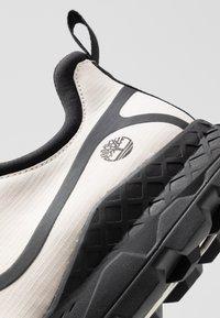 Timberland - BROOKLYN FABRIC OXFORD - Zapatillas - white - 5