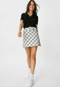 C&A - ARCHIVE - Mini skirt - white / black - 1