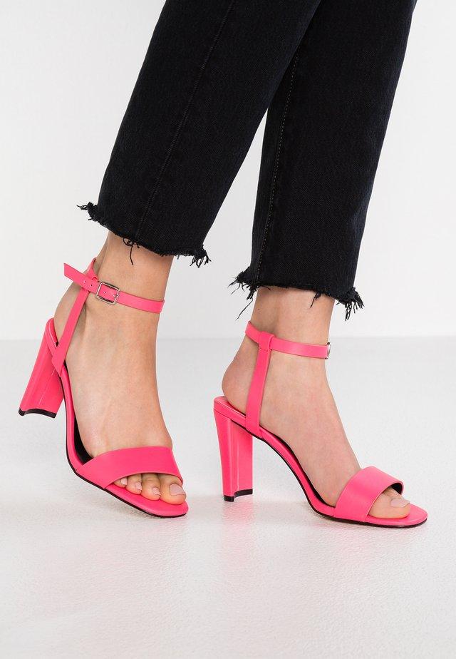 LAURA - Sandály na vysokém podpatku - pink