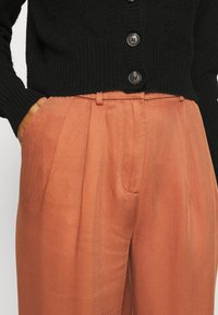 Marc O'Polo DENIM - PAPERBAG - Trousers - cinnamon brown - 4