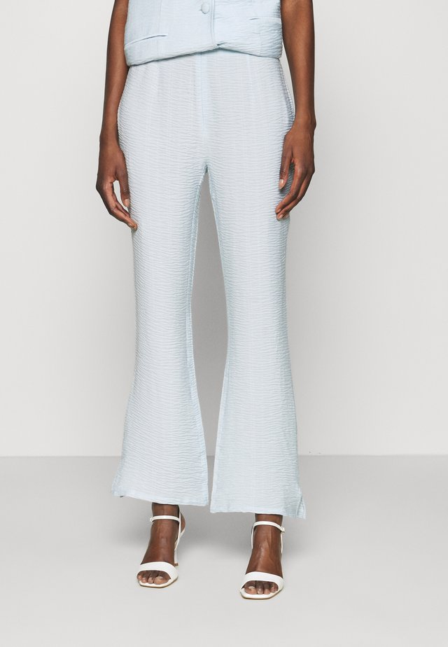 BILLIE PANTS - Pantaloni - light blue