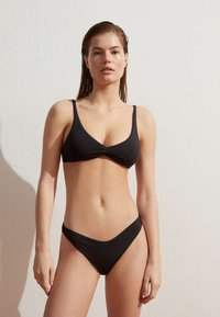 OYSHO - Bikini top - black - 1