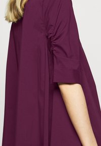 Steffen Schraut - BENITA FASHIONABLE BLOUSE - Button-down blouse - wild berry - 5