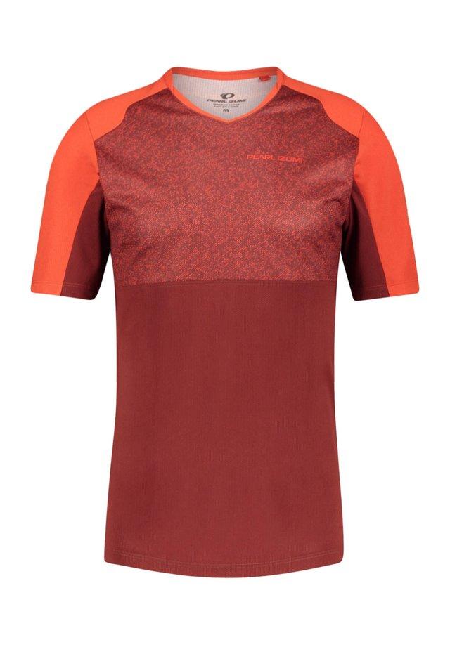 "PEARL IZUMI HERREN RADTRIKOT ""LAUNCH JERSEY"" KURZARM - Print T-shirt - red"