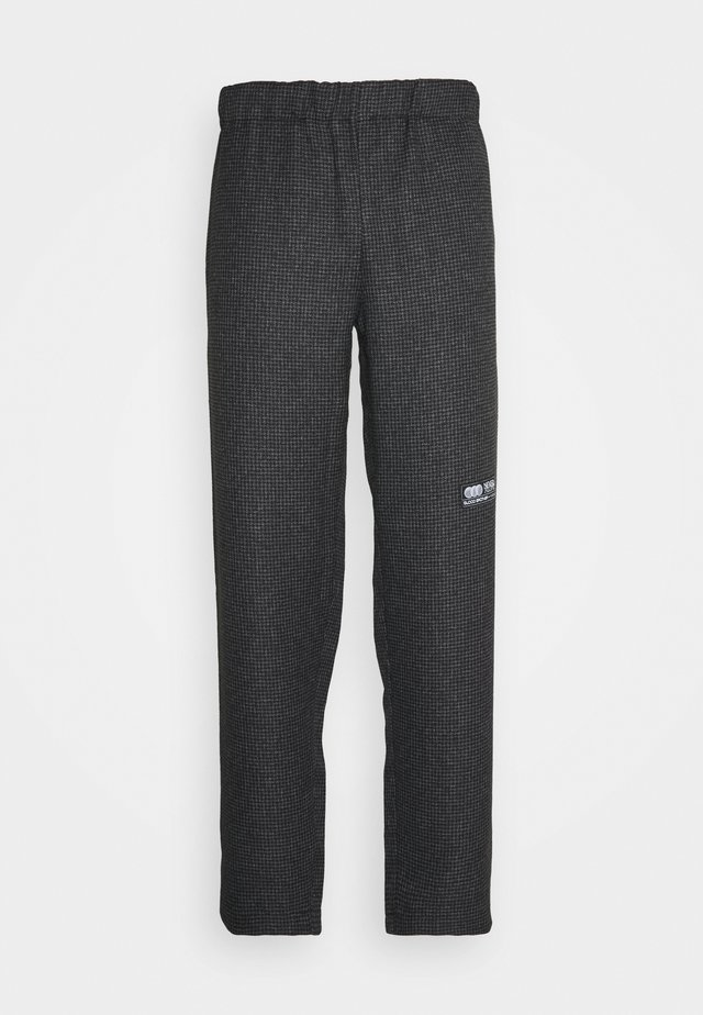 STAMFORD TROUSERS - Tygbyxor - grey