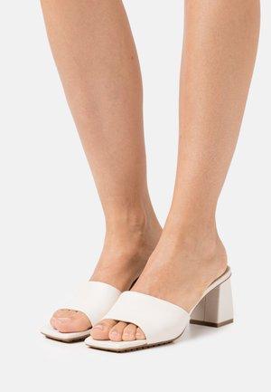 VELALITH - Slip-ins med klack - white