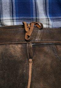 Krüger Dirndl - Leather trousers - dunkelbraun - 3