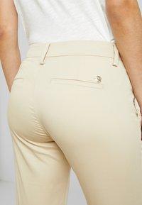 Mos Mosh - ABBEY COLE PANT - Kalhoty - safari - 5