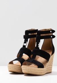 UGG - KOLFAX - Sandály na vysokém podpatku - black - 4