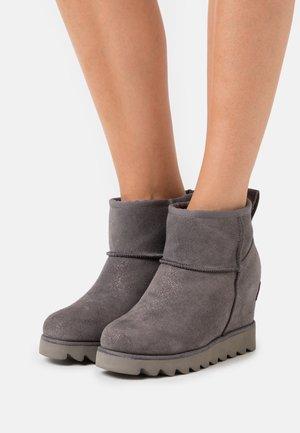 Korte laarzen - charcoal