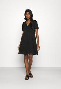Vila - VITAMARA SHORT BRODERI DRESS - Denní šaty - black - 1