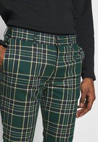 Topman - CHECK - Kalhoty - green - 4