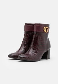 Tamaris - BOOTS - Classic ankle boots - merlot - 2