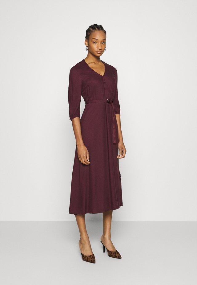 WRAP MIDI DRESS - Day dress - port royale