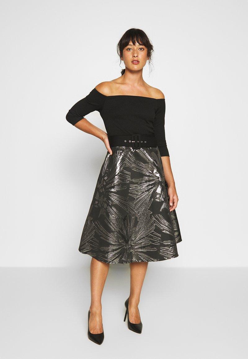 Dorothy Perkins Petite - JACQUARD BARDOT BELTED MIDI - Cocktailkleid/festliches Kleid - black