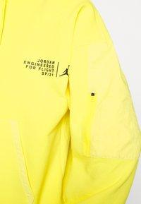 Jordan - WASHED HOODY - Luvtröja - opti yellow/black - 5