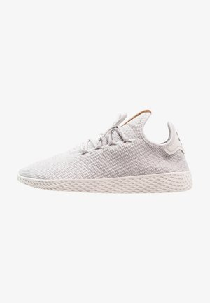 PW TENNIS HU - Trainers - grey one/chalk white