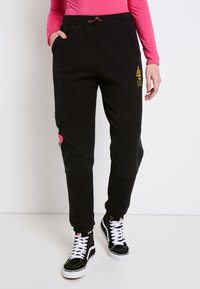 Vans - WM 66 SUPPLY SWEATPANT - Trousers - black - 0