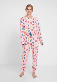 Chelsea Peers - INFLATABLE LONG SET - Pyžamová sada - pink - 1