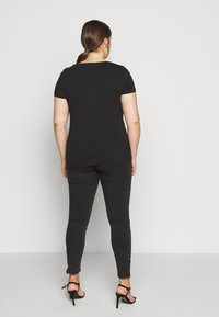 Anna Field Curvy - 3 PACK - T-shirts basic - white/black/dark grey - 3