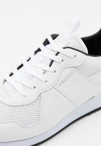 Cruyff - COSMO - Trainers - white - 5