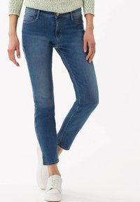 BRAX - STYLE SHAKIRA - Jeans Skinny Fit - blue (82) - 0
