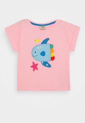 SOPHIA SLUB FISH - Camiseta estampada - soft pink