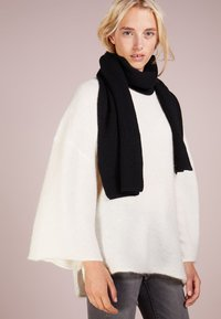 Johnstons of Elgin - RIBBED CASHMERE SCARF - Sjaal - black - 1